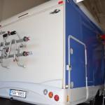 Celopolep boků obytného vozu modrou 3D autofolií