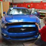 Aplikace ochranné transparentní autofolie na celý vůz Ford Mustang