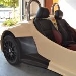 Ochranný a designový polep 3D karbonovou autofolií na veterána