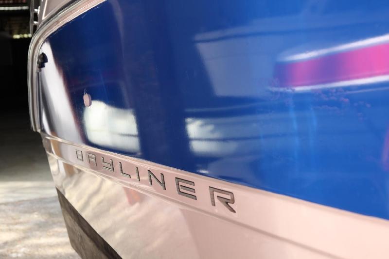 3D folie na loď-modrý pruh
